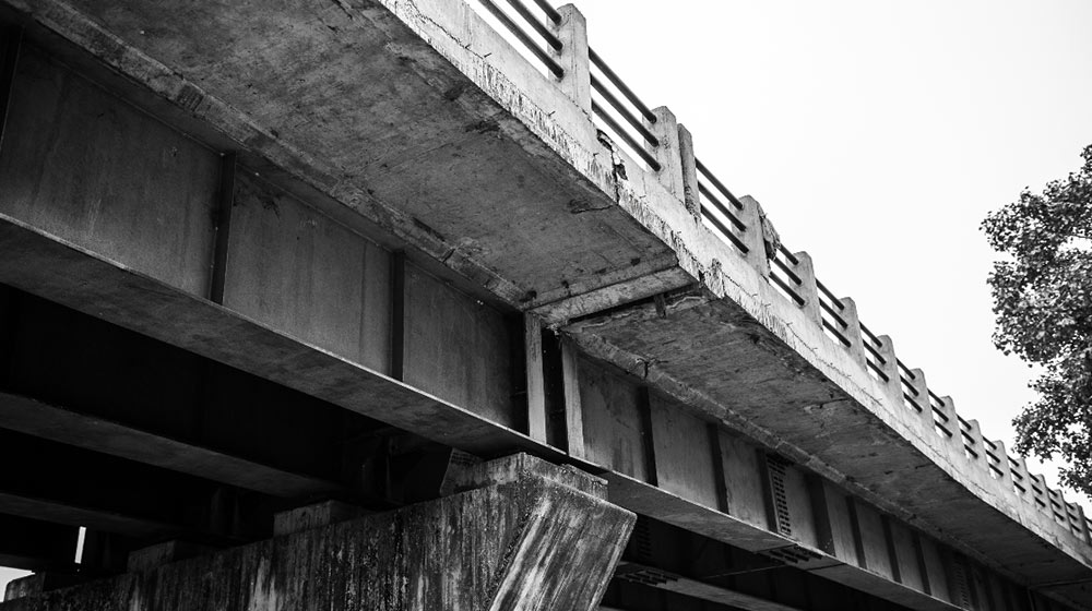 Open Letter from a Crumbling Flyover to the City